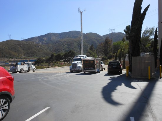 BEST WESTERN Cajon Pass : Oversize Vehicle Parking