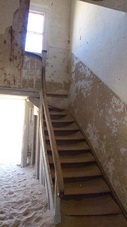 Geisterstadt Kolmanskop: Stairwell in House