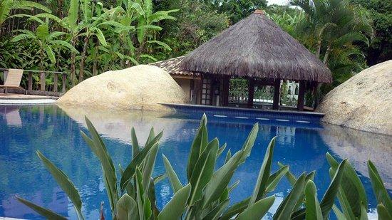 Real Villa Bella Hotel: O wet bar, ótima opção nos dias de sol