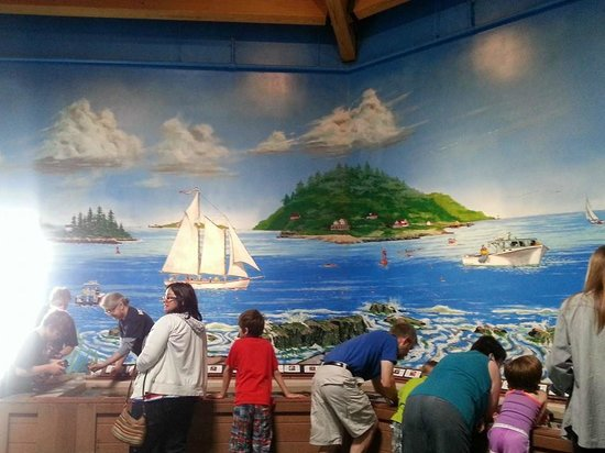 Maine State Aquarium: Wall mural