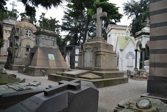 Monumental Cemetery: -