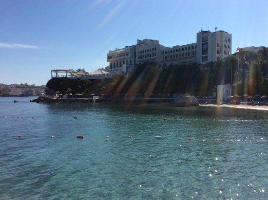 Imbat Hotel: Вид Имбата с пирса