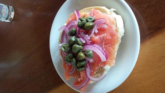 Emilio's Cafe: Salmon bagel