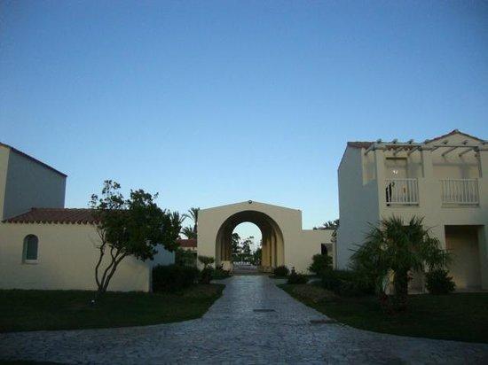 Le Spiagge di San Pietro Resort: ingresso del villaggio