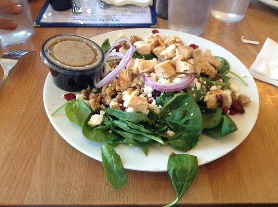 Park Plaza Liquor and Deli: Spinach & Walnut Salad