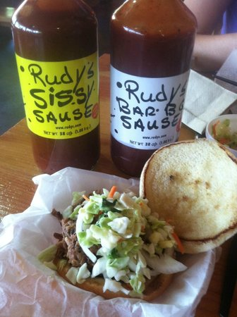 Rudy's: Pulled pork and the BBQ sauces