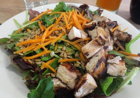 Kitchen on the Commons: Light and fresh salad