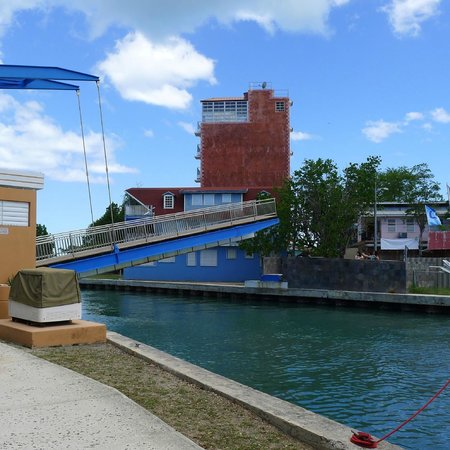Aquarius Vacation Club : drawbridge