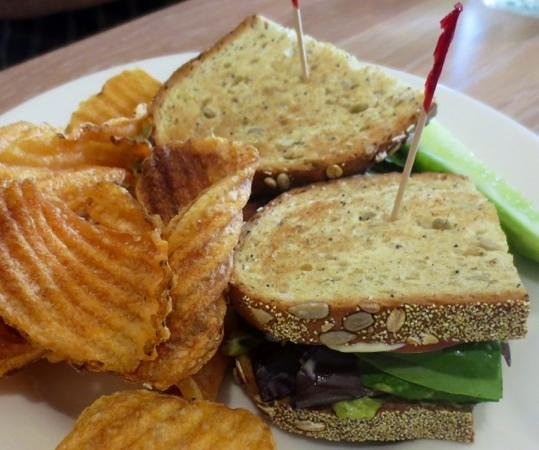 Kitchen on the Commons: Yummy bread and homemade chips!
