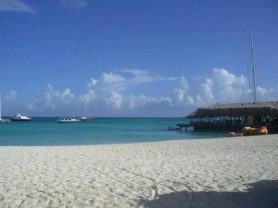 Hotel Riu Palace Aruba: la spiaggia