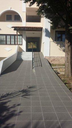 Mediterranee Hotel: steep ramp