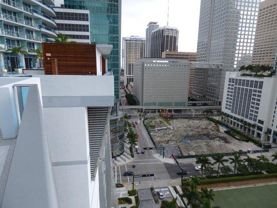 EPIC Hotel - a Kimpton Hotel : Vista desde la piscina