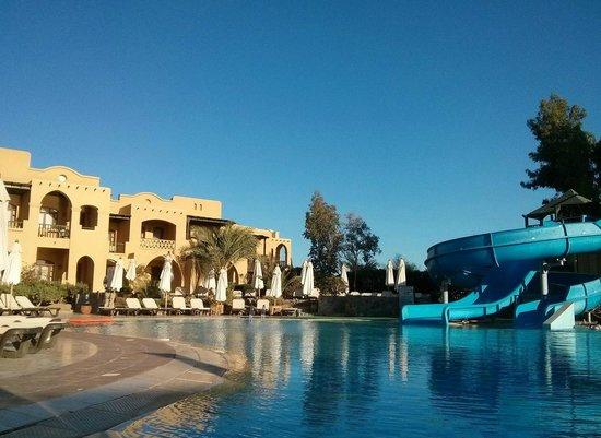 Three Corners Rihana Resort : Piscine avec tobboggans