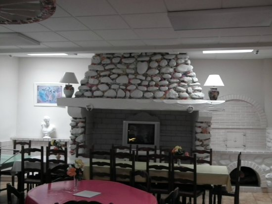 Hôtel Chalet Saint Louis : la belle cheminée