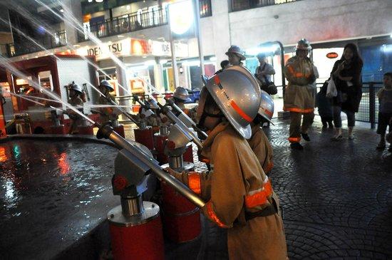 KidZania Koshien: Fire fighting