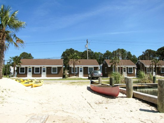 Snug Harbor Marina and Cottages: Snug Harbor Cottages
