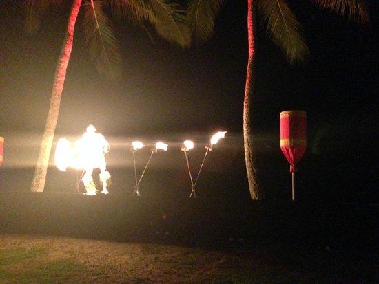 Aulii Luau: Fire Dance