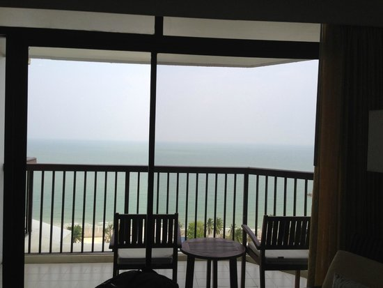 Novotel Hua Hin Cha Am Beach Resort and Spa: วิวเห็นทะเล