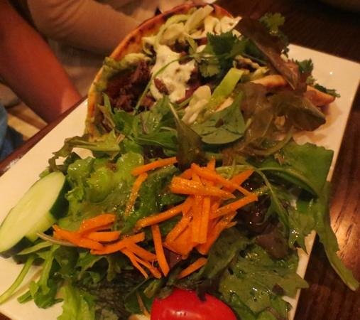 Johnny's Tavern: Terrific steak tacos