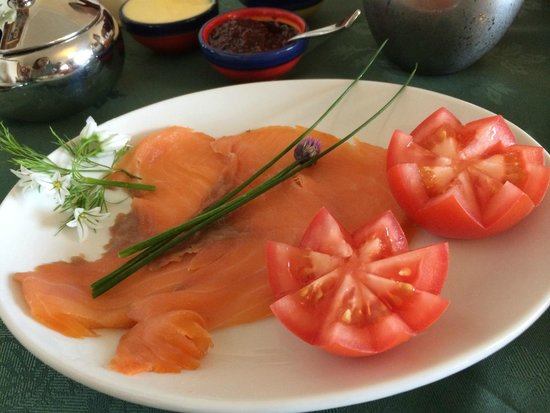 Milestone House : A delicious breakfast of smoked salmon, tomatoes, and herbs