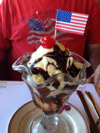 The Cherry Hut: My dessert