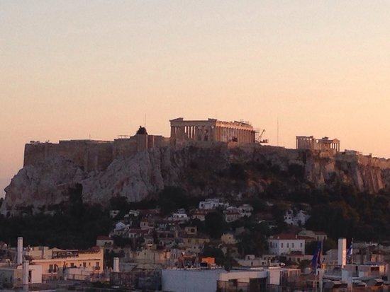 Hotel Grande Bretagne, A Luxury Collection Hotel: View of the Acropolis from hotel roof