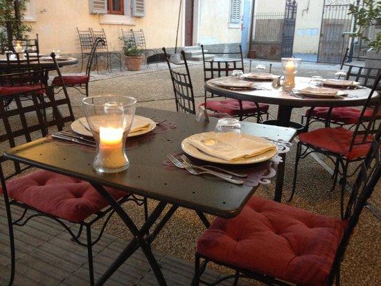Villa Sabolini Hotel : Gezellig tafelen
