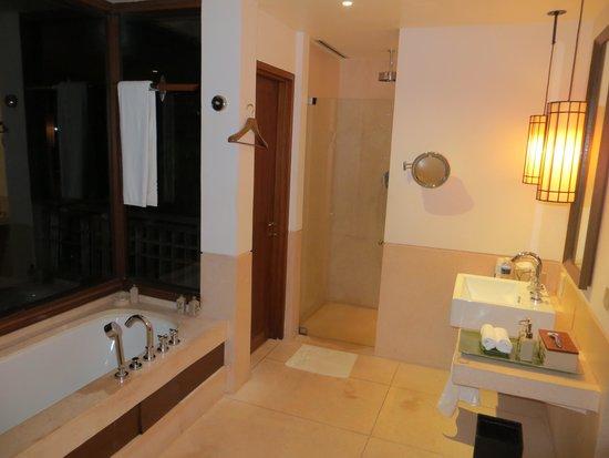 The Datai Langkawi: Bathroom