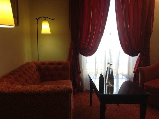 Hotel du Louvre: Sitting area
