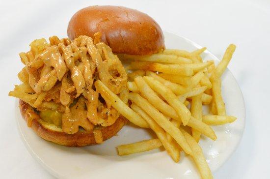 Rodeside Grill: Cajun Haystack Burger