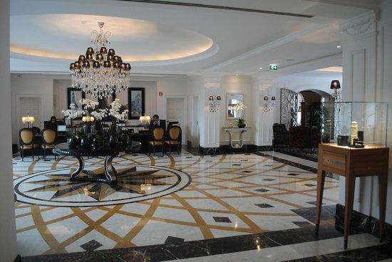 InterContinental Porto Palacio das Cardosas: Reception area