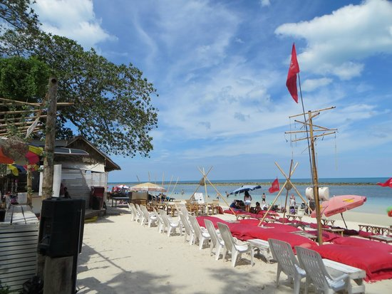 P&P Samui Resort: Beach bar