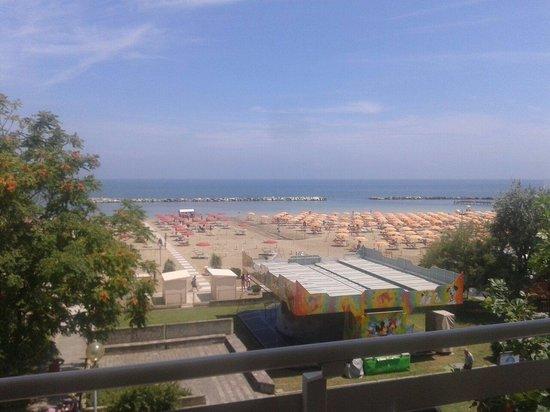 Hotel LaMorosa: Vista dalla 202...giugno 2014