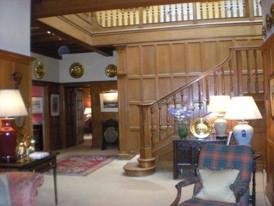 Kinloch House: imposing hallway