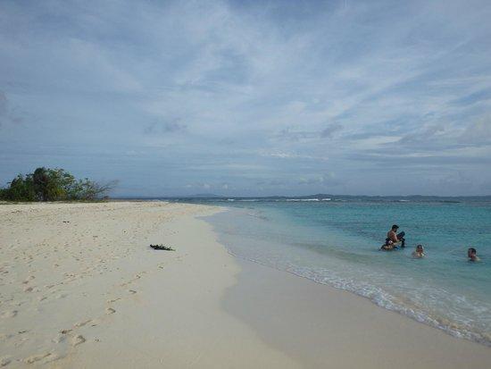 SailCaribe Yacht Charter : Isla Palominitos, the classic desert island