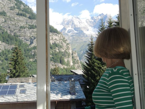 Hotel Bouton d'Or : View from the room