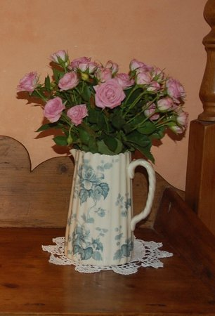 The Old Mill Soar: Fresh flowers in your room