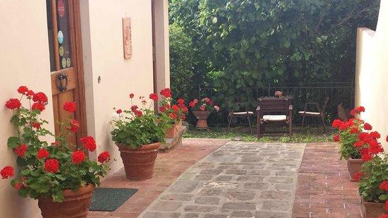 Residenza La Torricella: jardin