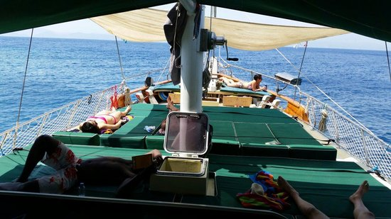 Before Lunch Boat Cruises: Relaxing time at boat...