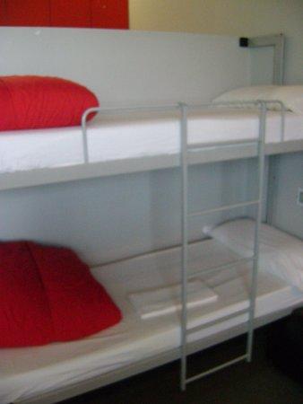 Centre Esplai Hostel: Nossas camas