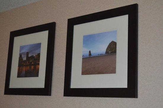 Comfort Inn & Suites West: Artwork