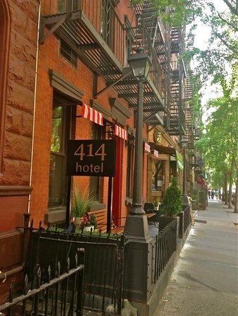 414 Hotel : View from the Street