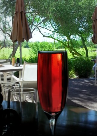 Boulders Resort & Spa, Curio Collection by Hilton: Breakfast overlooking the golf course.  Palo Verde restaurant.  Pomegranate mimosa.