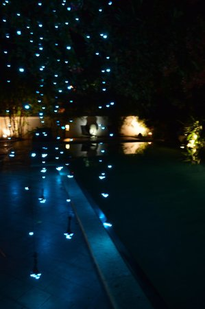 Old Harbour Hotel : Pool at night