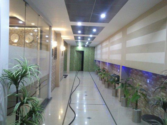 Rudra Regency & Vista Rooms: Front view