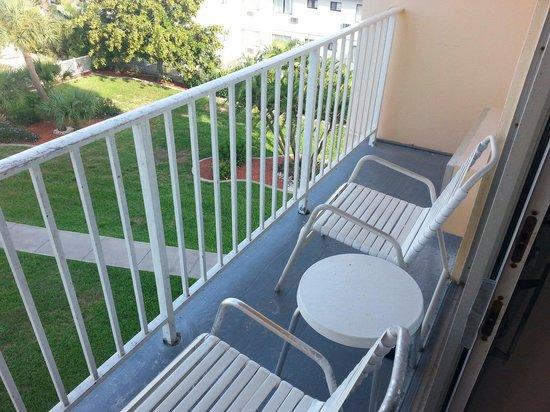 Howard Johnson Resort Hotel - ST. Pete Beach FL : Fourth floor Gulf front balcony.  Narrow!