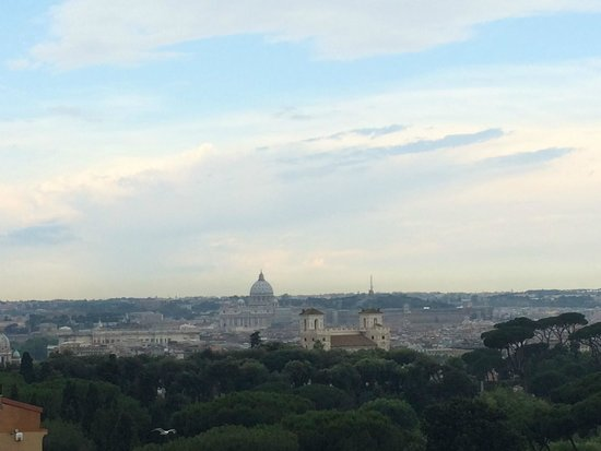 Rome Marriott Grand Hotel Flora: Roof top breakfast view