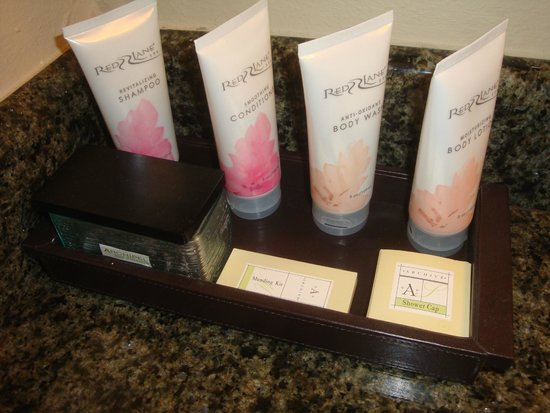 Sandals Ochi Beach Resort : Full size toiletries from the On Site Spa