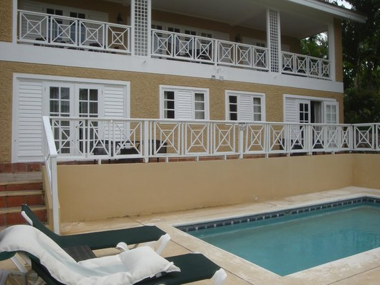 Sandals Ochi Beach Resort : Our room was on bottom right. Private pool for 4 rooms.