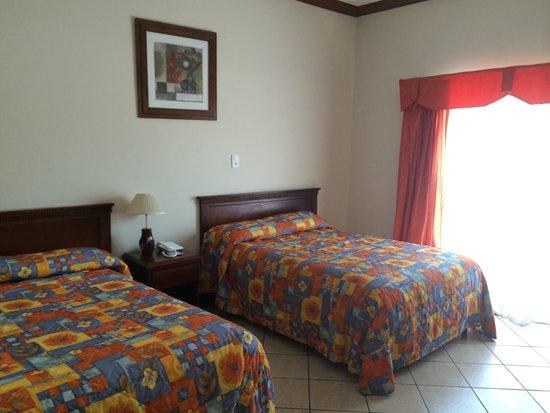 Cayman Suites: Standard two queen bedroom